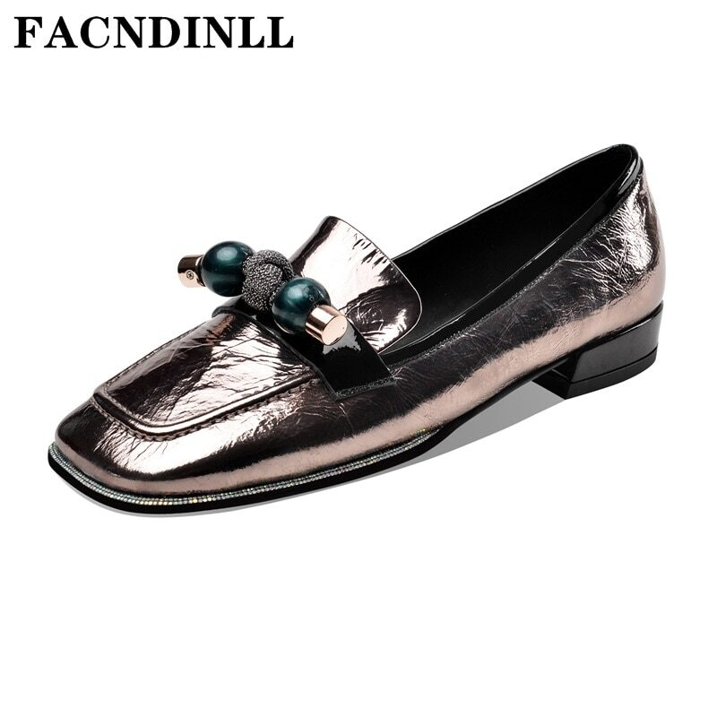 Women's slip on flat moccasins with decorative pearls