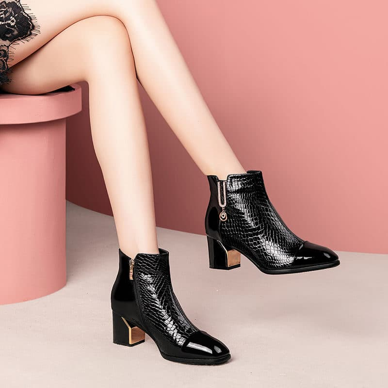 Women's leather ankle boots with block heel