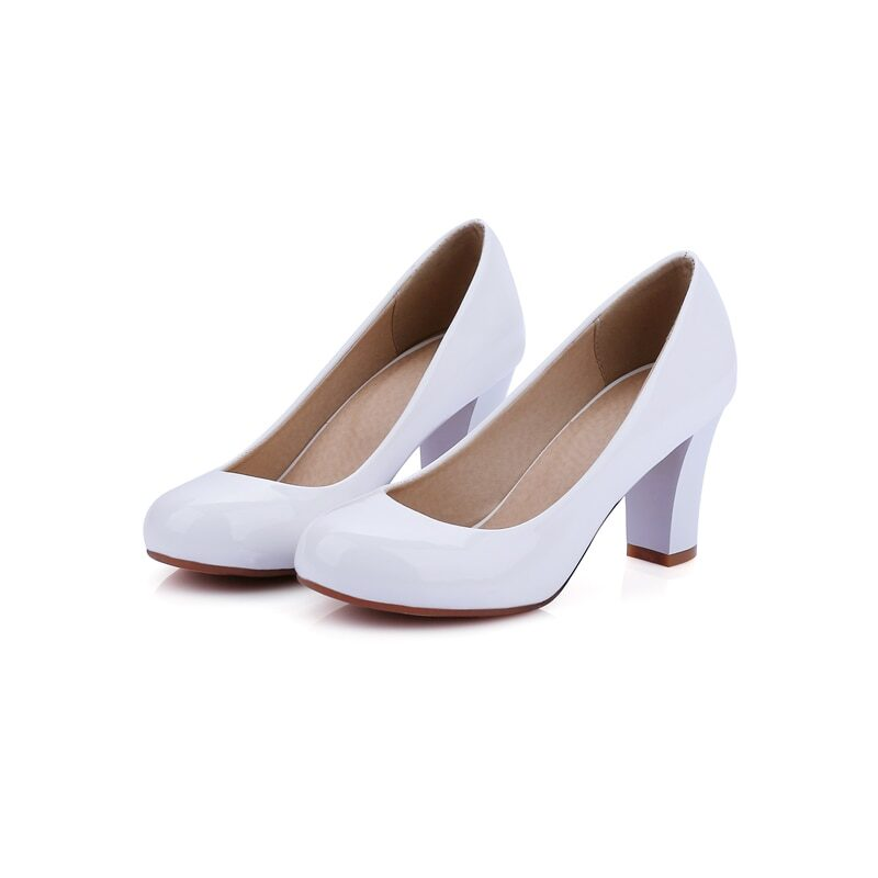 Women's patent pumps with round toe and low heel